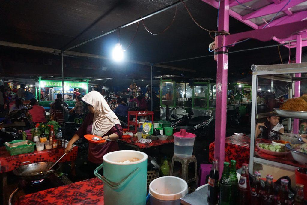 Warung auf dem Nachtmarkt
